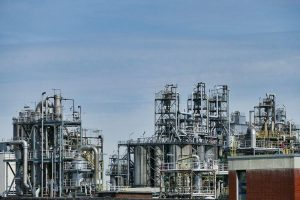 Why the Oil and Gas Industry Need Security Services